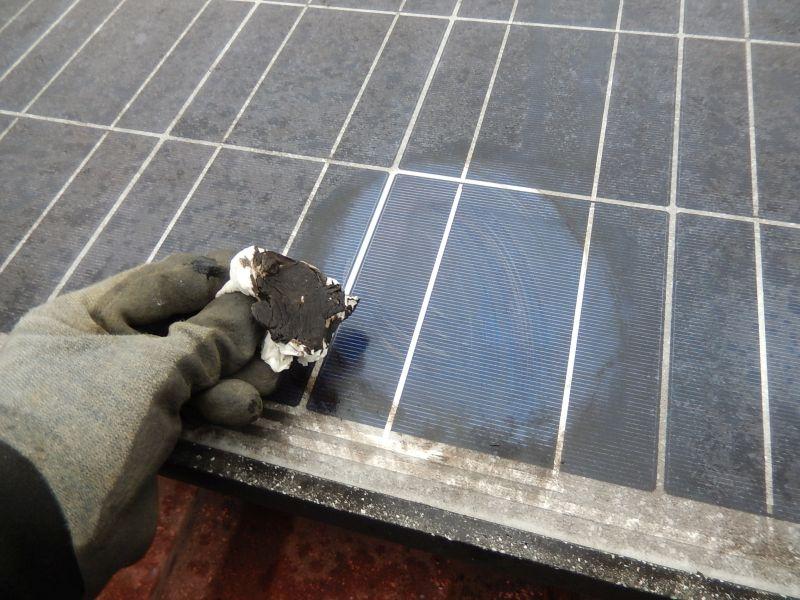 Photovoltaik Reinigung bei sehr verschmutztem Solarmodul